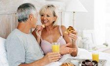 couple_geste_romantique_225x1351