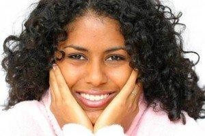Il en faut peu pour être heureuse dans Commune histoire nudiversity-femme_heureuse-300x199